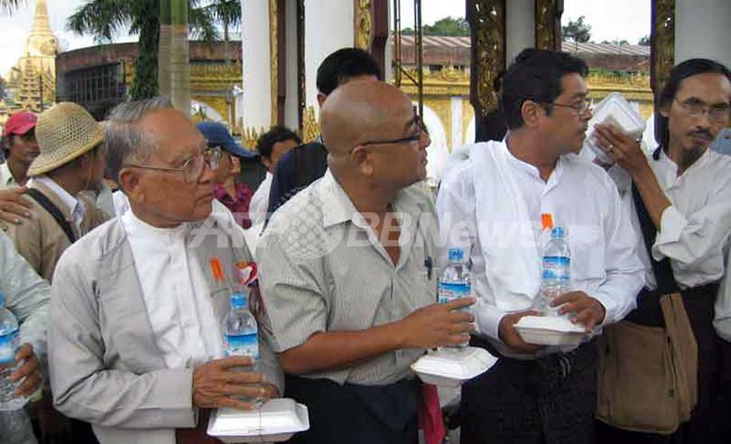 ミャンマー反軍事政権デモ、ついに10万人に拡大