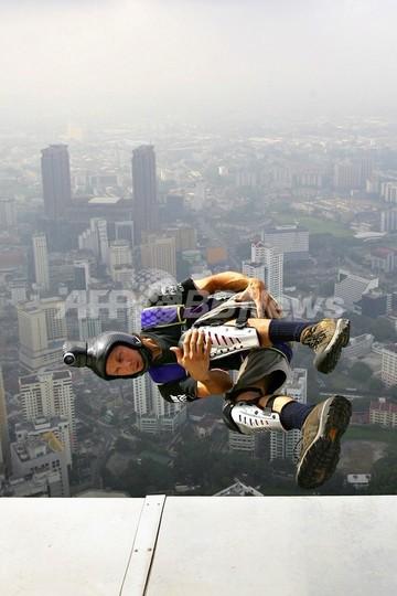 ビル登頂や飛び降りはダメ、ニューヨークで新条例