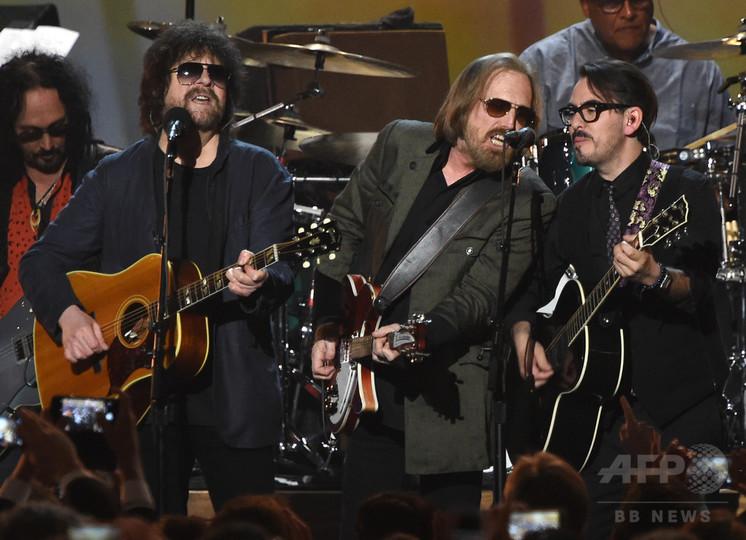 米ロックミュージシャンのトム・ペティさん死去 66歳 家族が発表