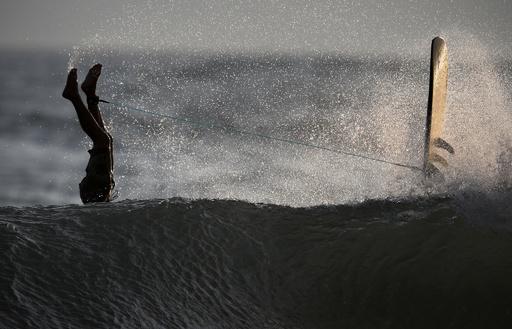 【今日の1枚】頭からダイブもサーフィンの醍醐味
