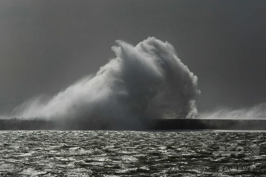 南アフリカで猛烈な嵐、8人が死亡