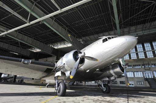 コロンビアで旅客機が墜落、乗客乗員12人死亡