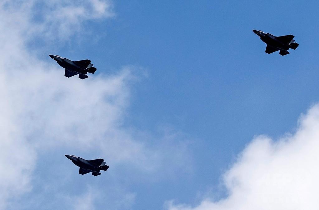イスラエル、F35戦闘機を初公開 独立記念日に航空ショー