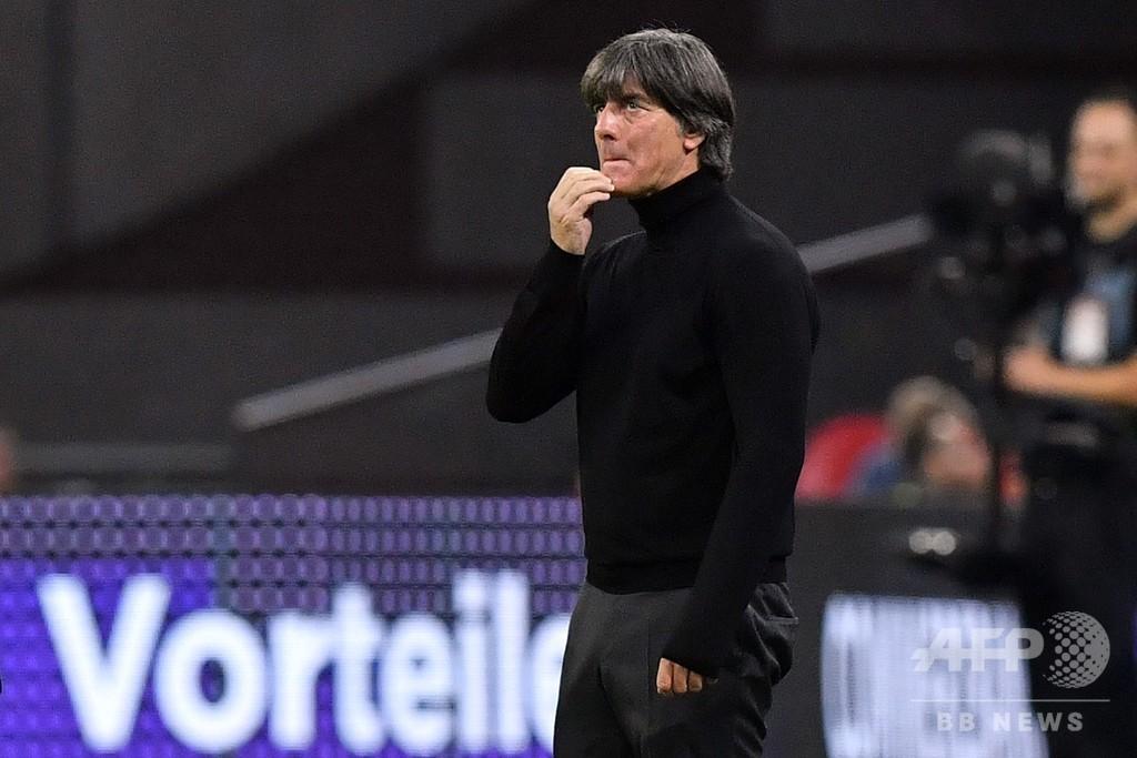 オランダに完敗のドイツ、国内メディアがレーブ監督を猛批判