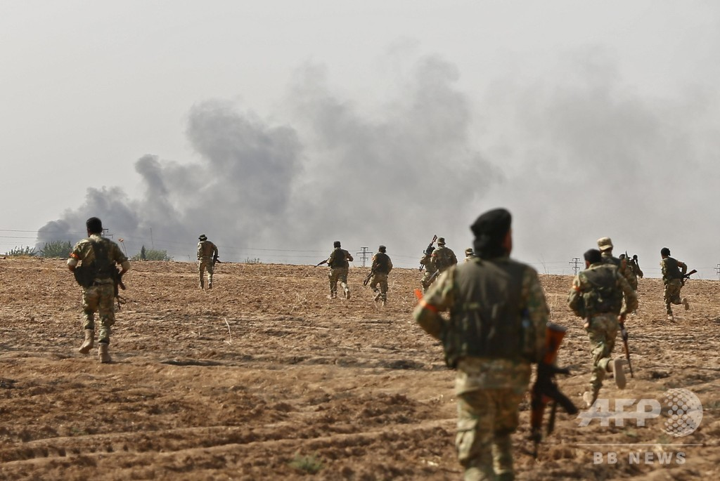 トランプ氏、トルコに「重大な制裁」へ シリア越境作戦続く