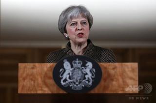 メイ英首相、議会承認なしにシリア空爆 野党議員ら反発