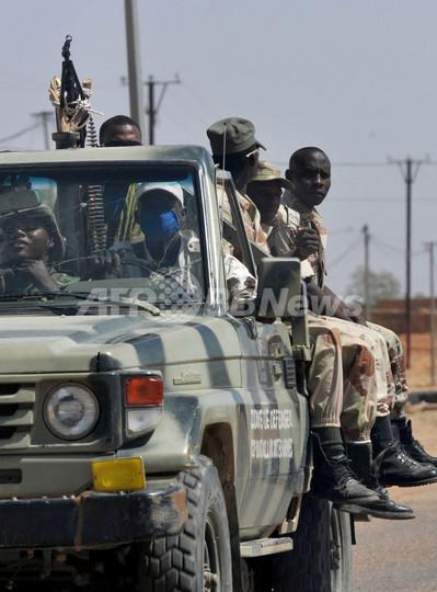 ニジェールの爆破攻撃、軍基地のイスラム過激派を「無力化」