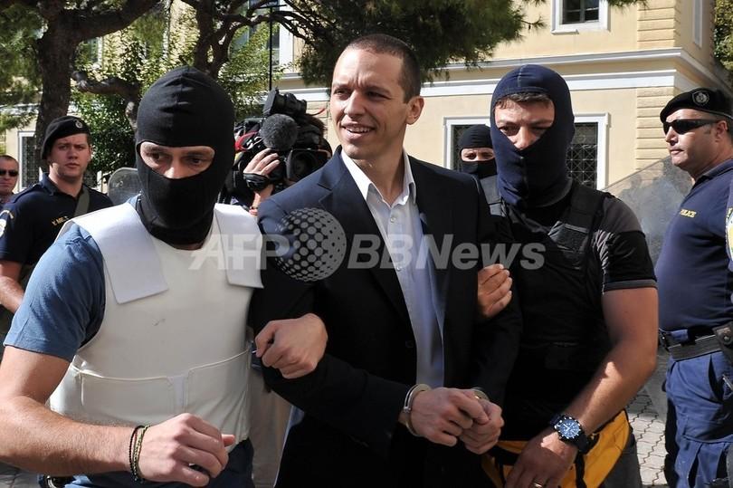 ギリシャ極右議員起訴へ 歌手刺殺事件がきっかけ