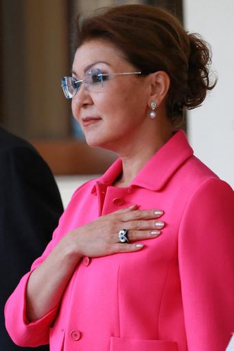 電撃辞任のカザフ前大統領の長女、上院議長に 後継への布石か