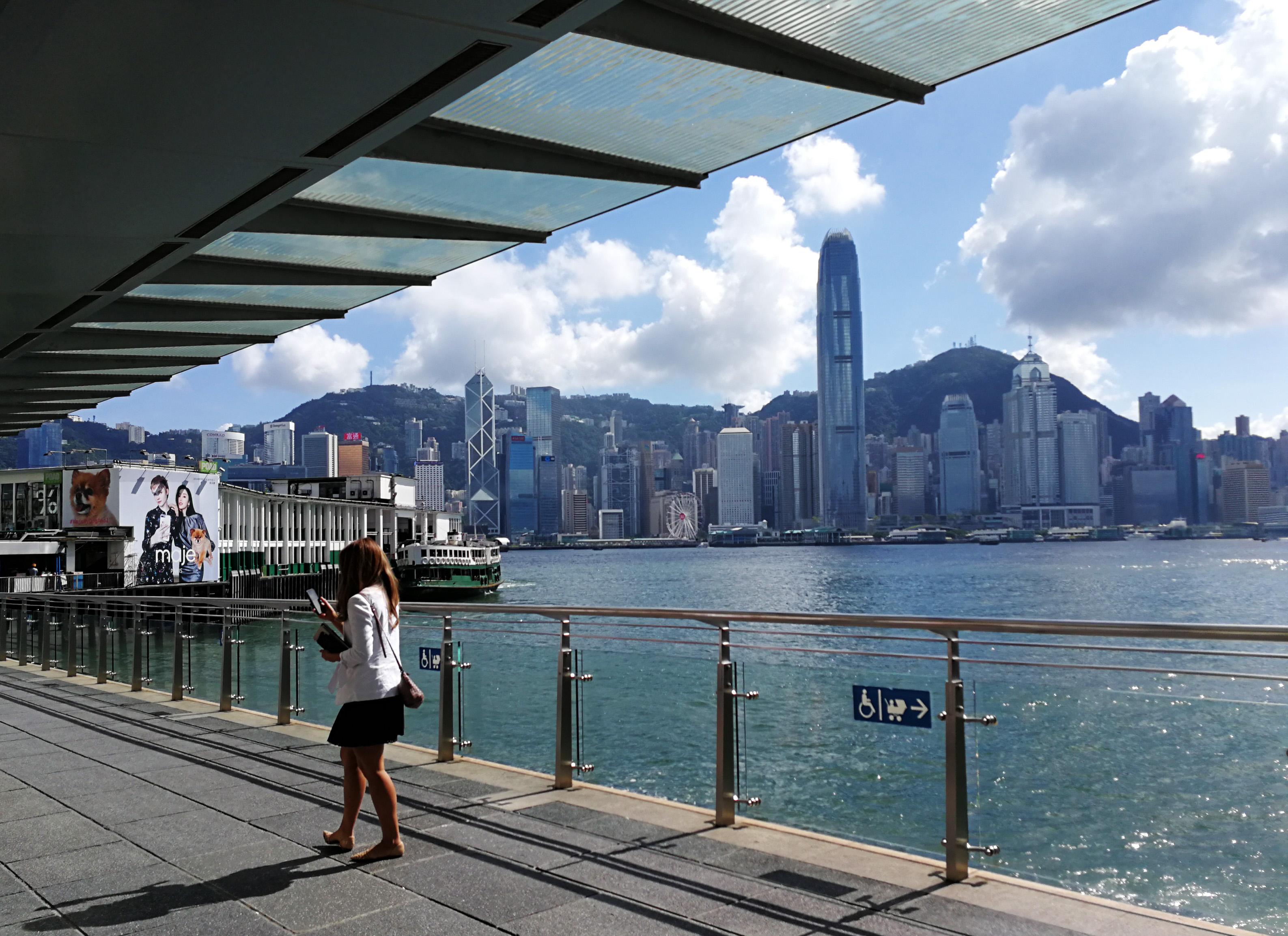 香港、世界競争力ランクで第3位に躍進
