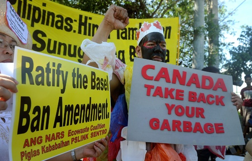 フィリピン、駐カナダ大使を召還へ 大量ごみ放置問題めぐり
