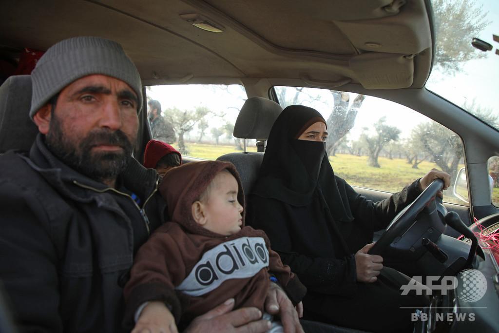 「どこへ逃げれば…」 内戦激化のシリア北部、さまよう家族