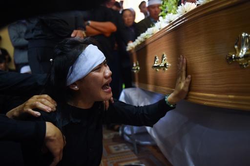 英トラック遺体事件、ベトナムで犠牲者埋葬