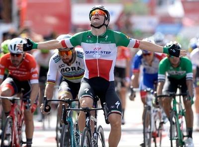 ヴィヴィアーニが2勝目、同僚の完璧リードアウトに感謝 ブエルタ