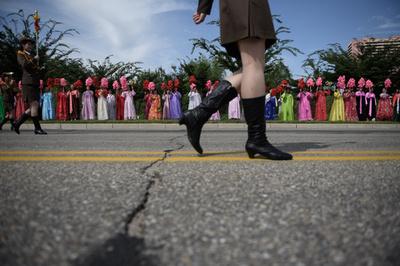 食い物にされる北朝鮮女性たち、公務員による性的虐待が横行