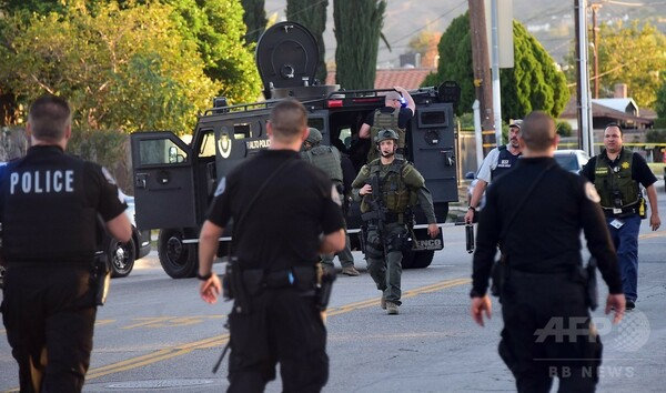 カリフォルニア銃乱射事件、容疑者は2人 身元特定