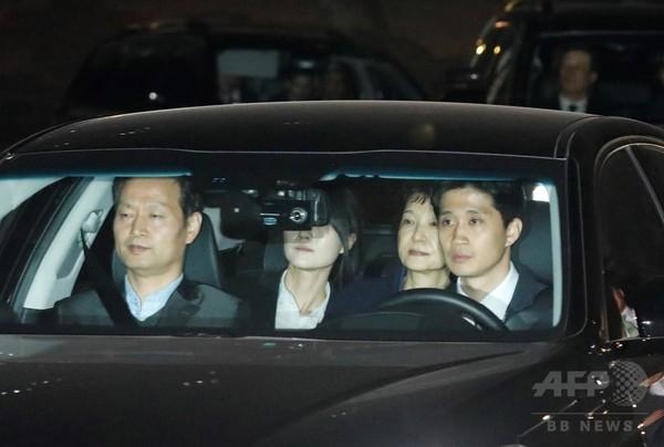 朴槿恵容疑者が拘置所へ、韓国大統領から「収容者503番」に