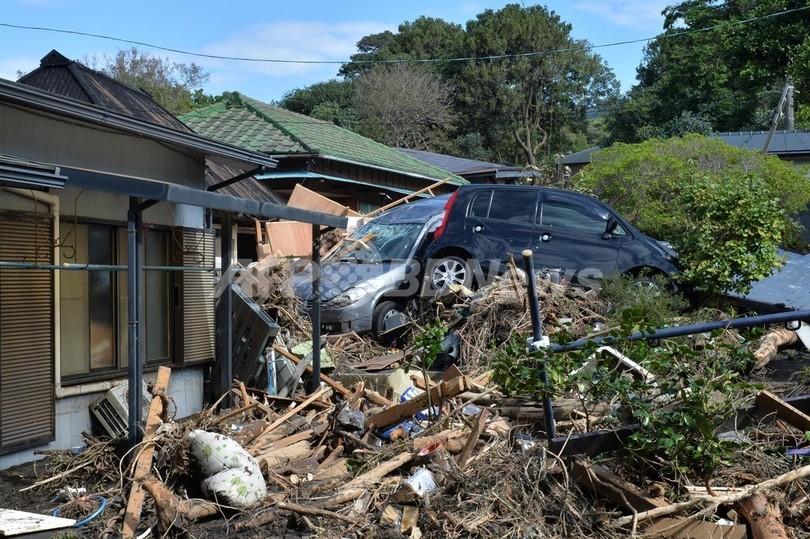 台風被害の伊豆大島、不明者の捜索続く