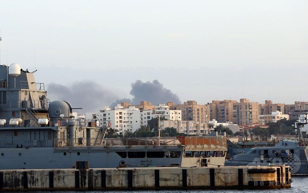 リビア首都で激しい戦闘、28人死亡 128人負傷 戦車も