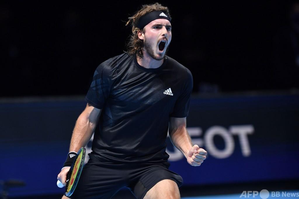 チチパスがMPしのぎ勝利、ルブレフは敗退 ATPファイナルズ