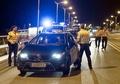 ドイツ、国境検問を再導入 難民大量流入で