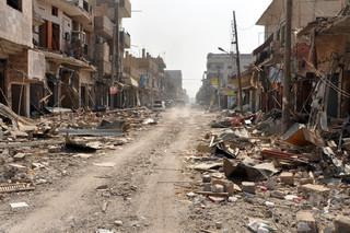 シリア東部でISが奇襲攻撃、政府軍25人死亡