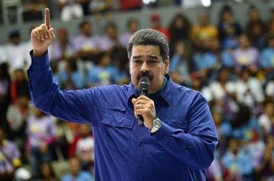 ベネズエラ、4月22日に大統領選強行へ 野党は批判