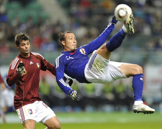 日本 2010年国内初戦は無得点ドロー、国際親善試合