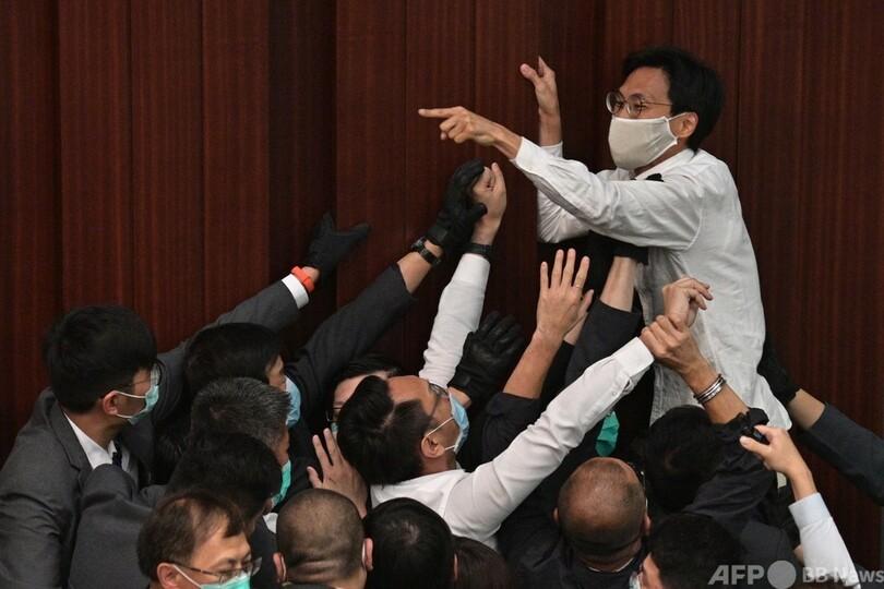 香港、民主派政治家7人逮捕 5月議会の妨害容疑 写真3枚 国際ニュース ...