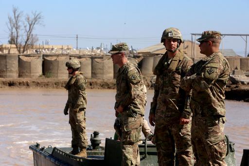 イラクの有志連合軍駐留基地にロケット弾18発、米英兵ら3人死亡