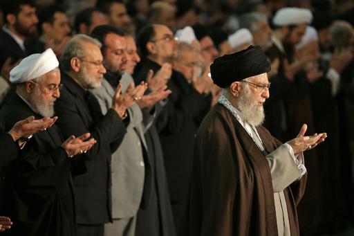 イラン指導者、金曜礼拝で8年ぶり説教 司令官の「犠牲」強調