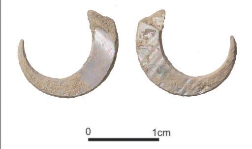 世界最古2万3000年前の釣り針、沖縄のサキタリ洞遺跡