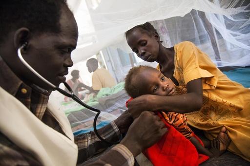 南スーダンで人道支援の車列に襲撃、2人死亡