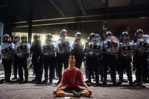 香港「逃亡犯条例」の改正反対派、12日に再びデモ実施を予定
