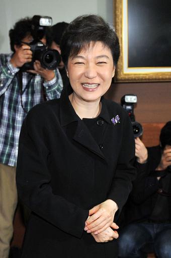 韓国総選挙、与党セヌリ党が勝利 選挙前予想を覆す