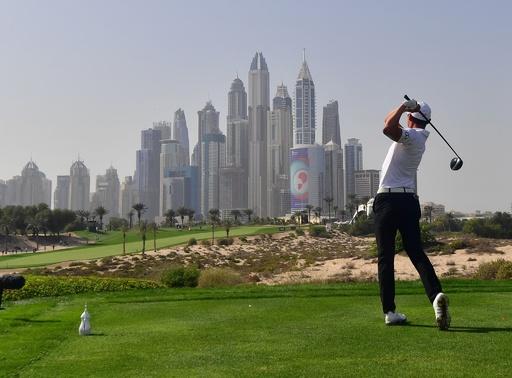 ゴルフ統括団体が新規則の明確な解釈提示、キャディーの位置取り関する混乱続出で