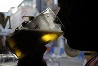未成年の飲酒、若年性認知症に関連性 研究