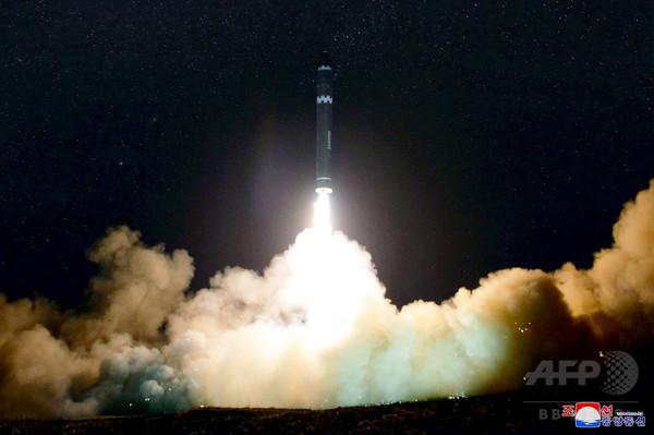 日米韓の合同軍事訓練始まる、北ミサイル追跡のシミュレーション