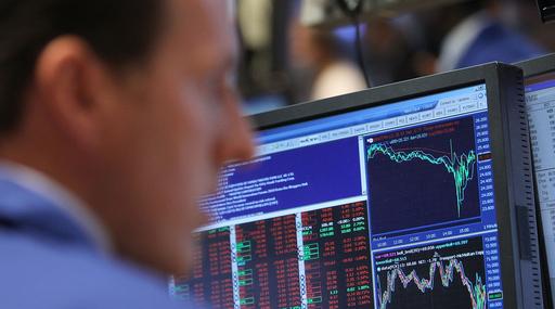 NY株、一時1000ドル近く暴落 誤発注説も