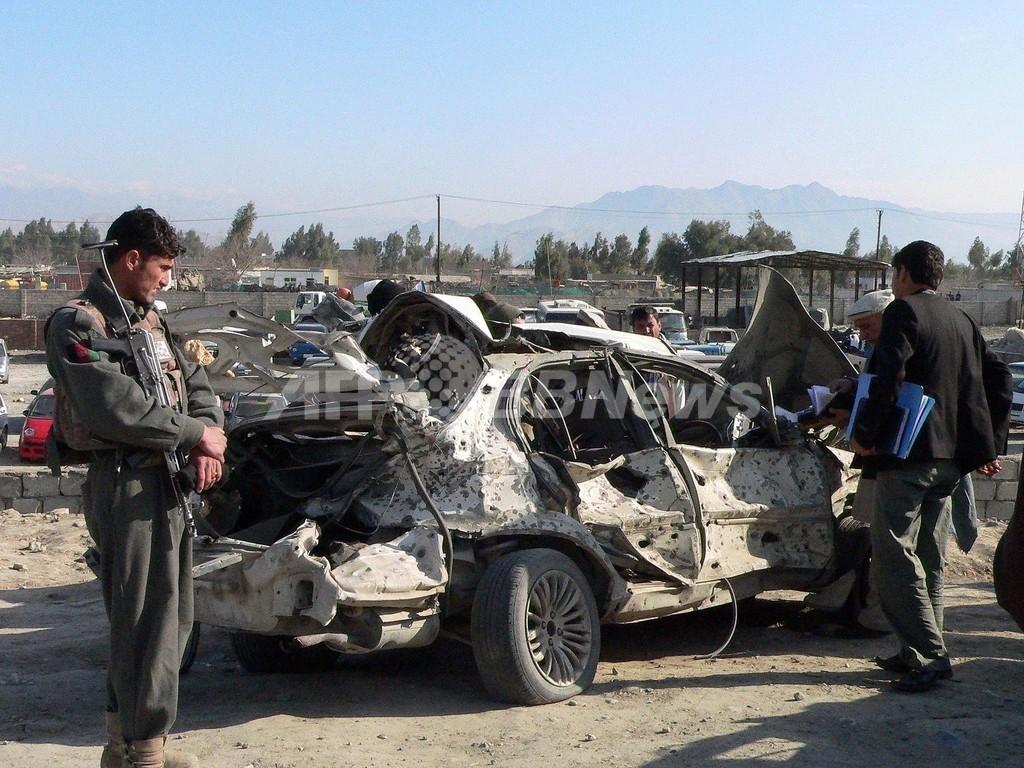 アフガニスタン、NATO軍基地で自爆攻撃 タリバンが犯行声明
