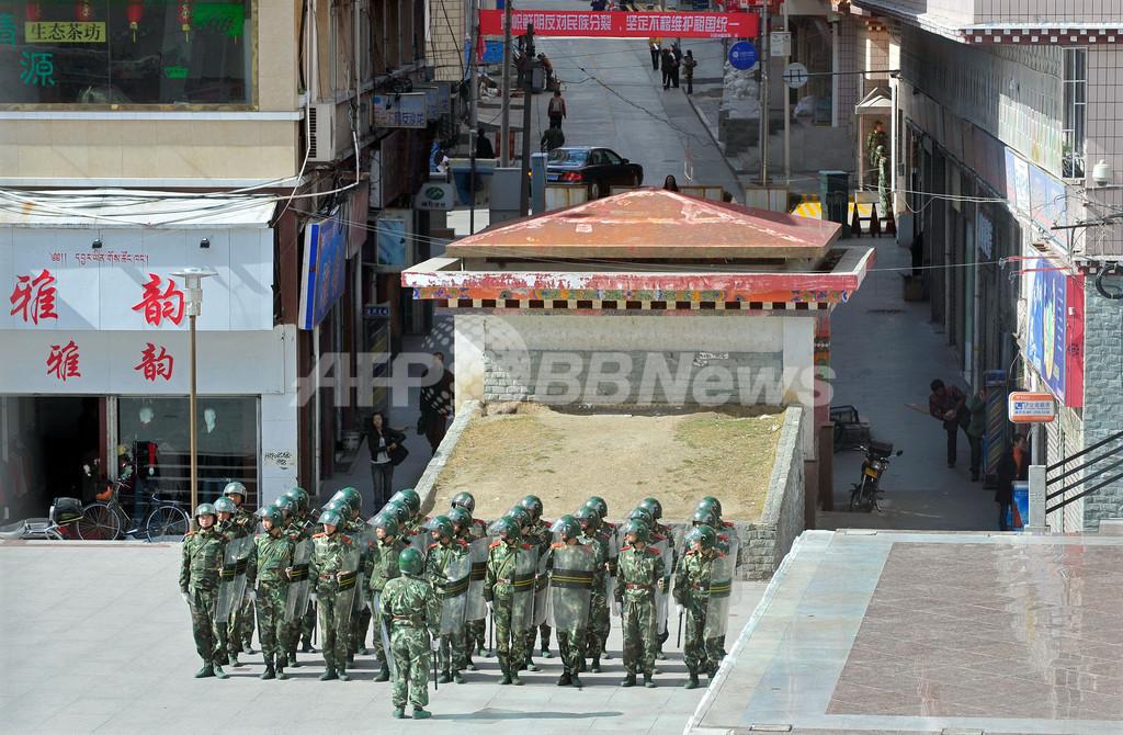 中国、チベットに軍を大幅増強か