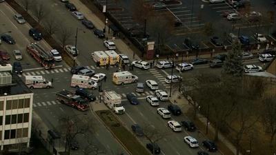 動画:米シカゴの病院で発砲、「複数犠牲」の情報 警官も撃たれ重体