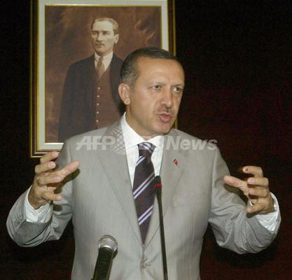 トルコのエルドアン首相、2期目の組閣に着手