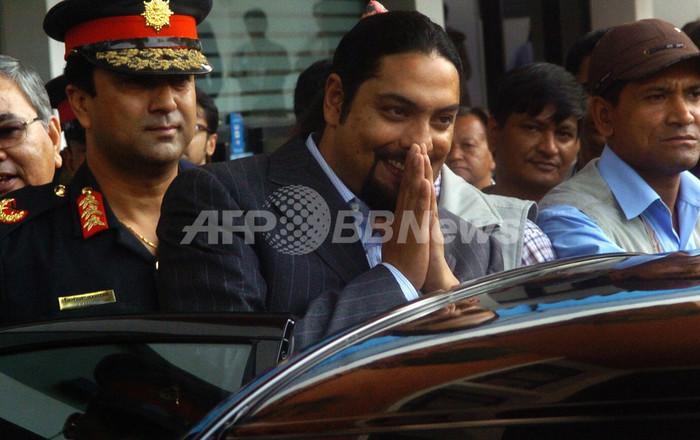 ネパール元皇太子に逮捕状、リゾート地で発砲