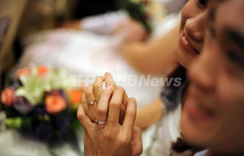 マレーシアの110歳男性、82歳女性と再婚へ