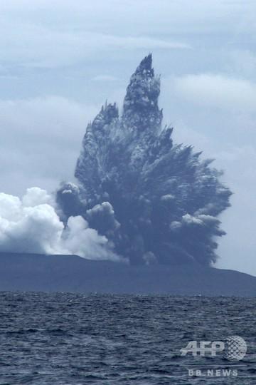 津波引き起こした火山島がまた噴火、インドネシア・スンダ海峡