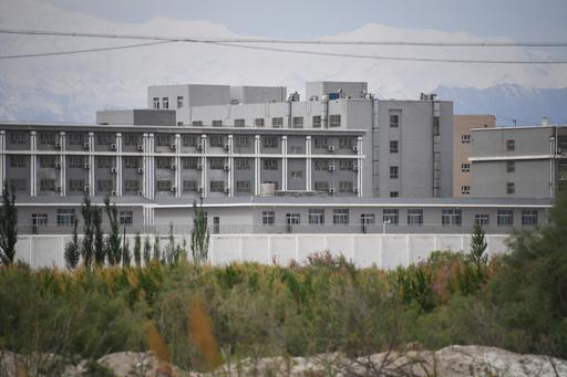 中国のウイグル収容施設500か所近くを確認 100万人超が被収容の恐れ