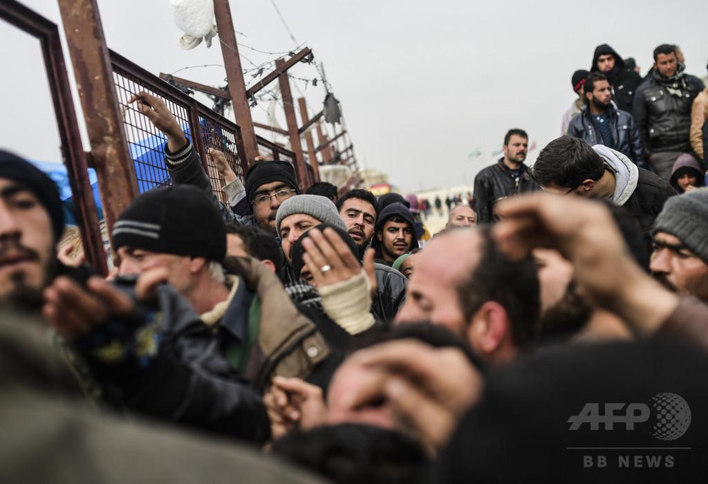 シリア戦闘激化、トルコに「難民60万人押し寄せる恐れ」