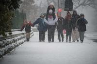 米首都ワシントンで大雪、「スノージラ」到来に厳戒態勢