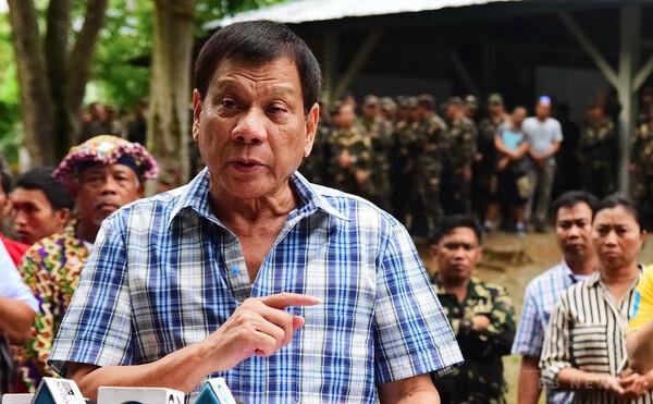 比大統領「人権は気にしない」、麻薬犯罪者の射殺命令継続を明言